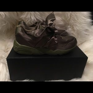 Fenty Beauty Shoes - New FENTY olive green kicks